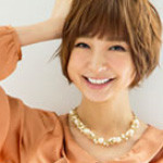 CM「RyuRyu リュリュ(篠田麻里子)」の曲「CMオリジナル / 出口優日」