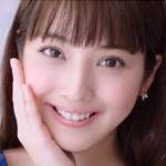 CM「SOFINA ソフィーナジェンヌ(佐々木希)」の曲「Lovin' You / moumoon(ムームーン)」