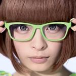 CM「眼鏡市場 ALOOK アルク」の曲「スローモ / きゃりーぱみゅぱみゅ」