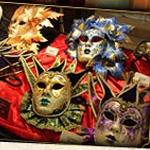 CM「ハウステンボス 仮面舞踏会カーニバル2014」の曲「ファンファーレ! / ソナーポケット」